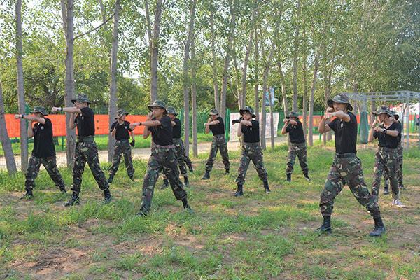 21天《好习惯成长》特训军事夏令营(上海)