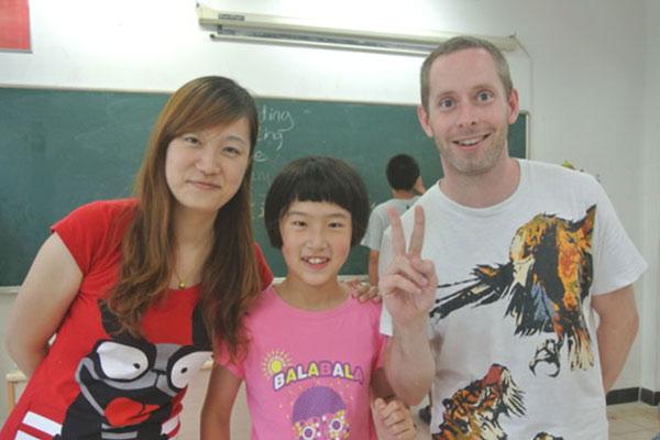 深圳3岁儿童夏令营选什么?英语营了解一下!