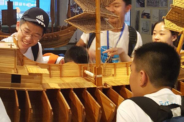 广州中文夏令营让海外青少年沉浸中文学习