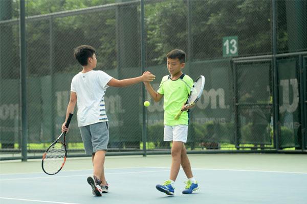 重庆超达网球学校夏令营,规范各项技术动作