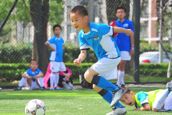 北京大兴区哪的学生夏令营好?家门口的足球营