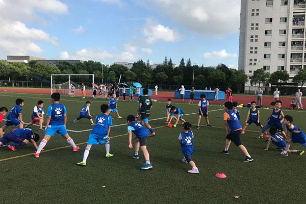 深圳青少年足球夏令营多少钱?等不及要报名了