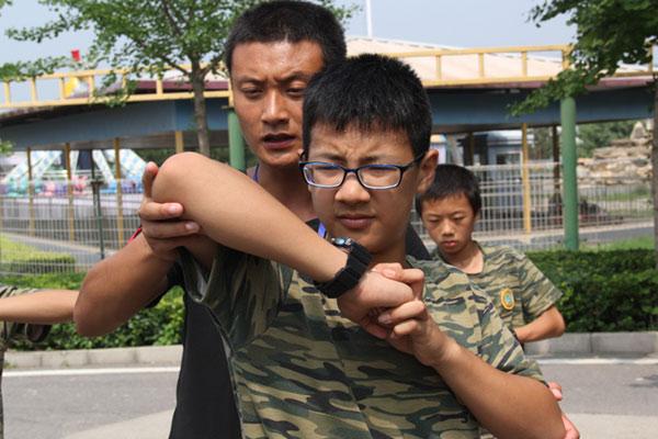 广州中学生暑期夏令营释放青春能量,探索无限