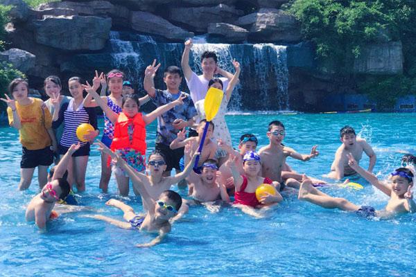广州暑假青少年夏令营秀出学员自信出众风采