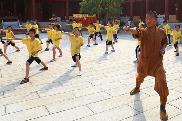 广州武术夏令营促少年强,推广健康中国理念