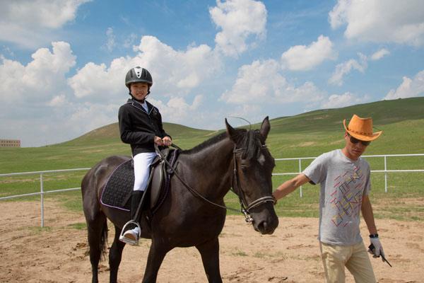 参加深圳骑马夏令营危险吗?