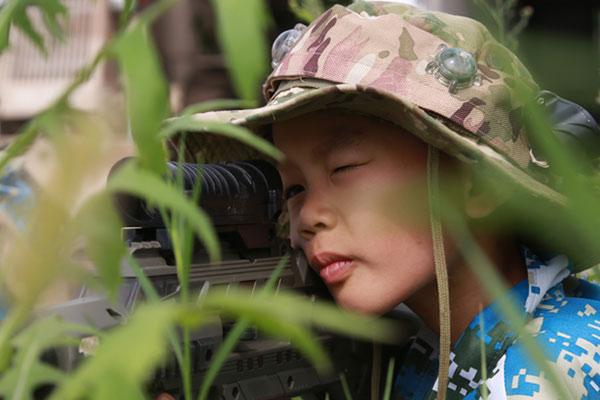 贵阳暑期军训夏令营培养孩子积极的情怀