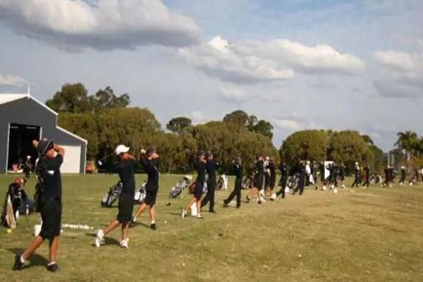 北京高档高尔夫球夏令营,提升青少年球技与品位