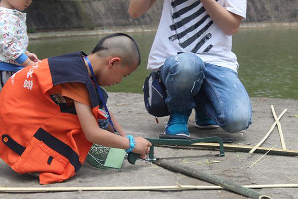 广州富阳竞赛夏令营教孩子学会野外生存知识
