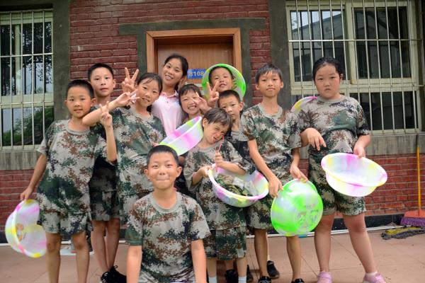 贵阳小学暑假军事夏令营