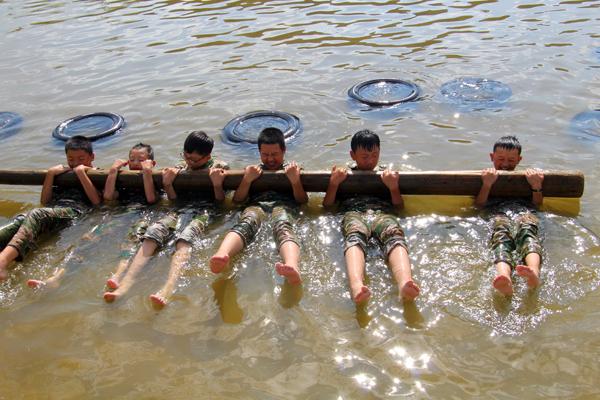 武汉洪山区夏令营帮助孩子变得更好