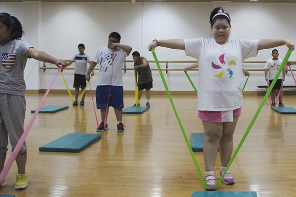 广州暑假减肥夏令营,帮助孩子控制体重